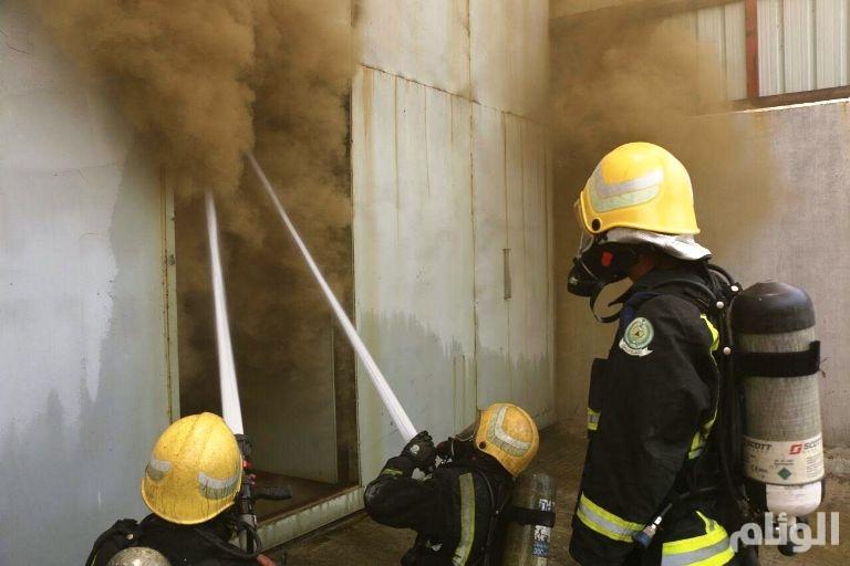 الدفاع المدني يخمد حريق مستودع أثاث موسم الحج بحسينية مكة
