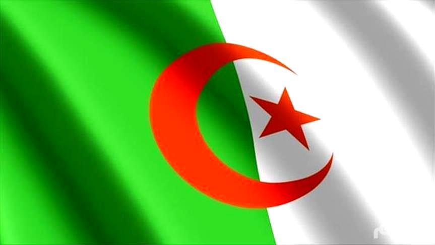 الجزائر.. الأمن يطوق العاصمة لمنع احتجاجات آلاف العسكريين
