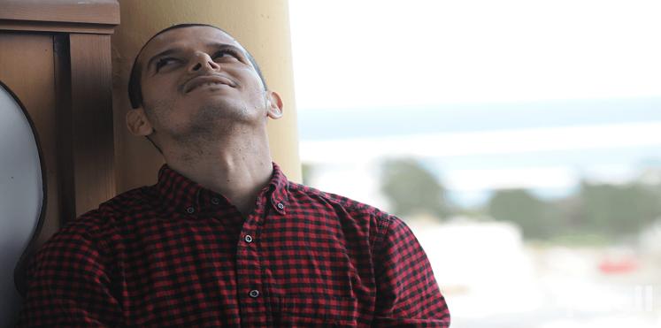 متشددون يتوعدون أول كاتب مغربي أعلن عن مثليته الجنسية