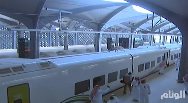 غداً.. أمير مكة ونائبه يستقلان أول رحلة تجريبية لقطار الحرمين الشريفين