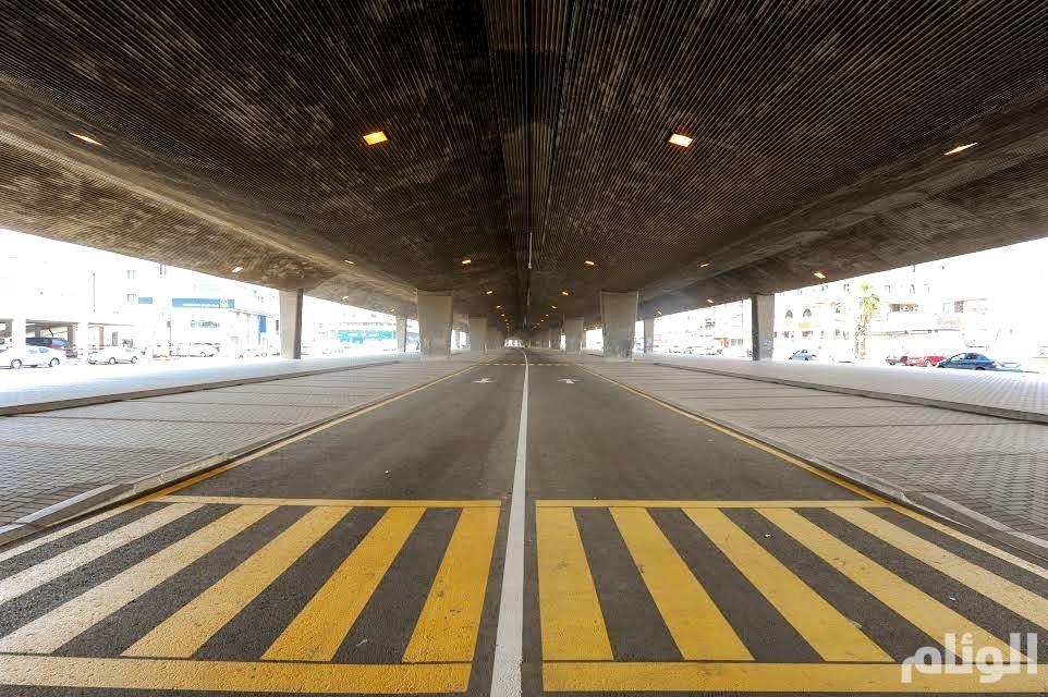 أمانة جدة تفتح «627» موقفاً أسفل جسر طريق الملك فهد