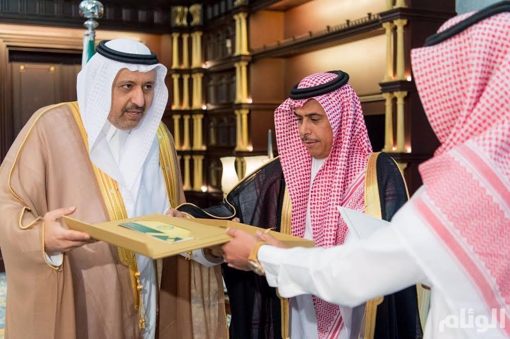 «أمير الباحة» يؤكد على أهمية الإبلاغ عن مروجي المخدرات