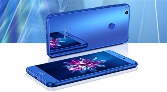 هواوي تطرح هاتف «هونر 8 لايت» باللون الأزرق في الشرق الأوسط