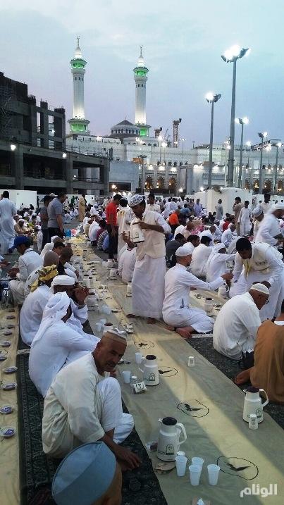 «أوقاف الراجحي» تخصص أكثر من نصف مليون وجبة لإفطار الصائمين بمدن المملكة