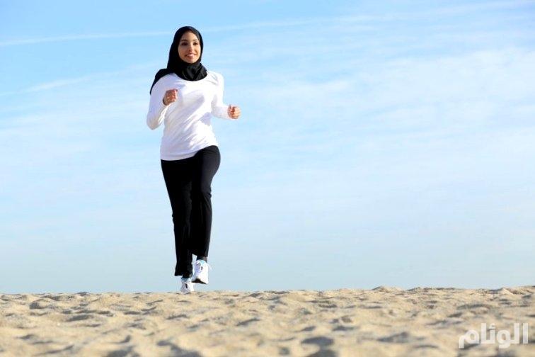 الرياضة تجعل النساء يشعرن بأنهن «أقوى وأرق»