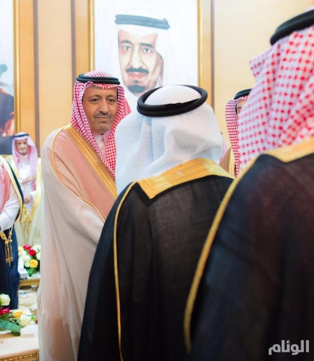 بالصور.. أمير الباحة يتلقى البيعة من مسؤولي وأهالي المنطقة