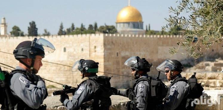 تسلية الصهاينة قتل الفلسطينيين.. شرطية بالقدس تكسر الملل بإطلاق النيران