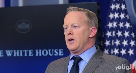 «وول ستريت جورنال»: متحدث البيت الأبيض السابق سرق ثلاجة صغيرة