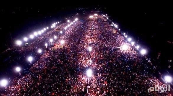 المعارضة الباكستانية تحتفل بإقصاء نواز شريف