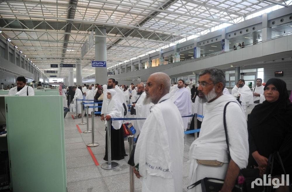 """مطارات السعودية  تكذب  إفتراءات """" الجزيرة """" و"""" خلايا عزمي"""""""