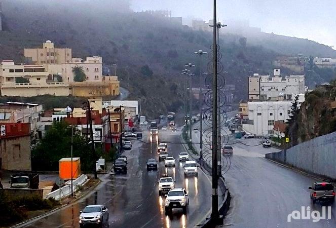 حالة الطقس: هطول أمطار بمرتفعات جازان وعسير