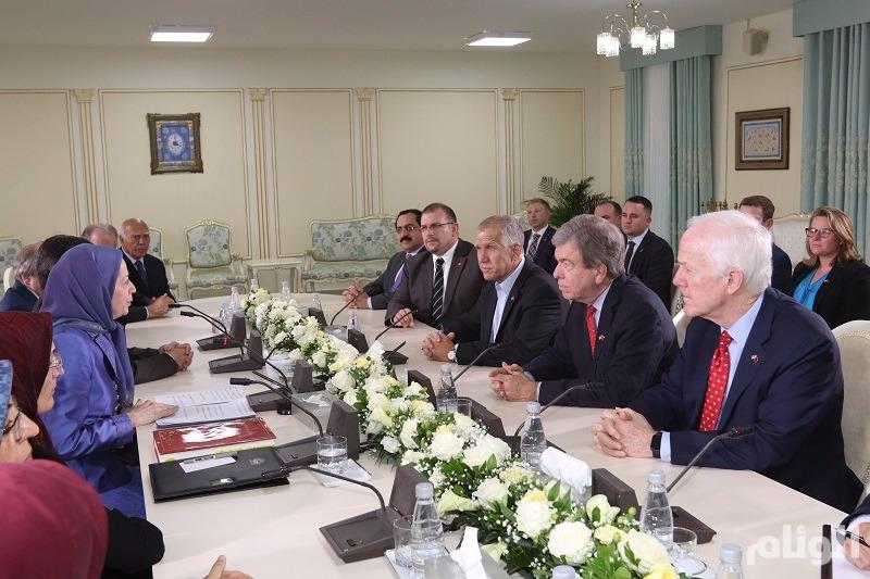 """وفد أعضاء """"الشيوخ"""" الأمريكي يلتقي """"المقاومة الإيرانية"""""""