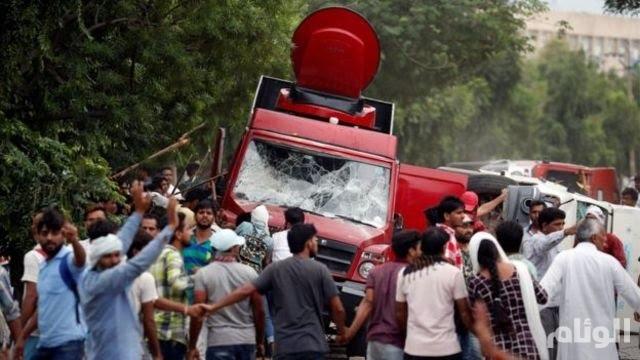 الهند.. مقتل ٢٩ شخصا واعتقال ٢٥٠٠ بعد إدانة رجل دين بالاغتصاب