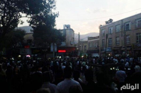 الحراك الطلابي و استمرار الإضرابات في إيران يربكان نظام الملالي