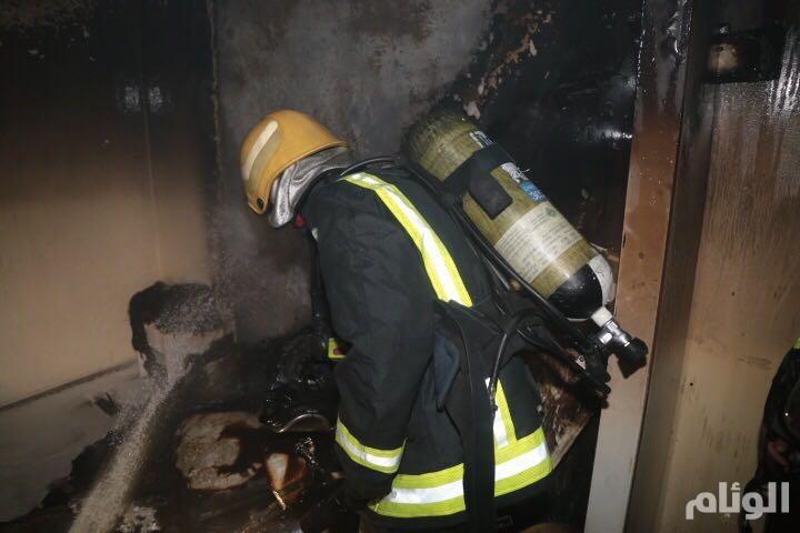 إصابة فتاتين في حريق عمارة بمكة.. وإجلاء السكان