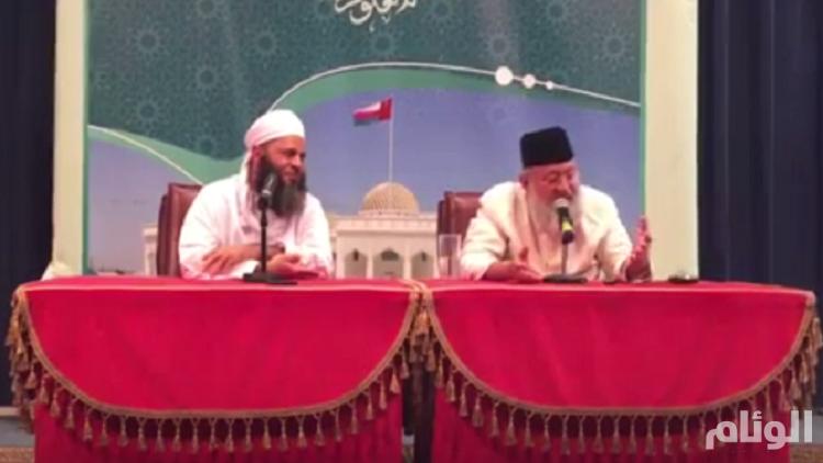 عُمان تطرد داعية هندي بعد تطاوله على السعودية