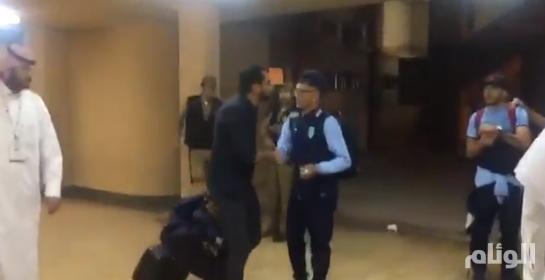 بالفيديو .. جماهير الشباب تطالب سامي بالرحيل