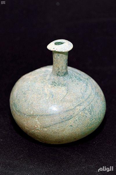 هيئة السياحة تعرض أواني زجاجية فريدة تعود للألف الأول قبل الميلاد