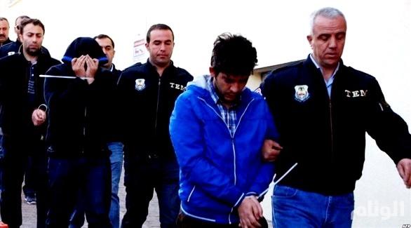 تركيا: اعتقال «25» عسكرياً بتهمة الانتماء لجماعة غولن