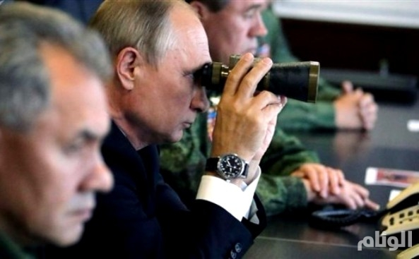 بوتين يطلق بنفسه «4» صواريخ باليستية روسية