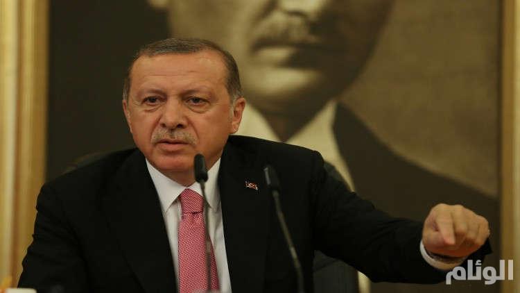 أردوغان يدعو رؤساء بلديات 3 مدن كبرى للاستقالة
