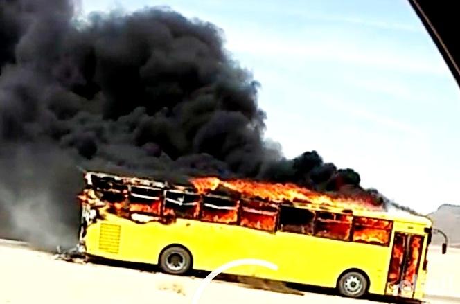 بالصور: نجاة طالبات ثانوية من حادث إحتراق وسيلة النقل المدرسي