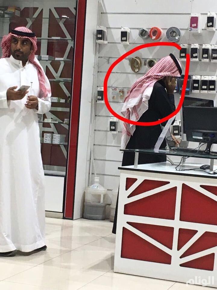 القبض على وافد تستر في زي سعودي ليعمل في مهنة مقصورة على المواطنين  في حائل