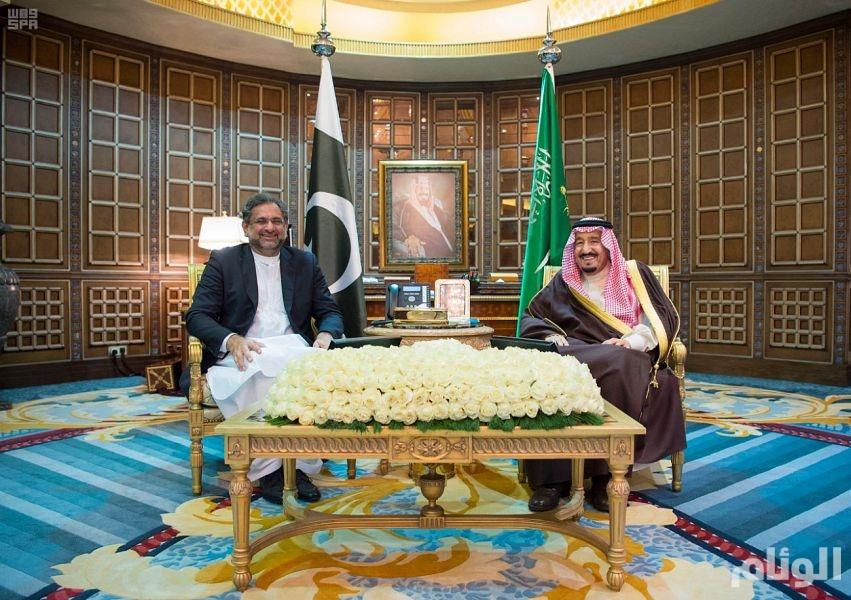 خادم الحرمين يعقد جلسة مباحثات مع رئيس وزراء باكستان