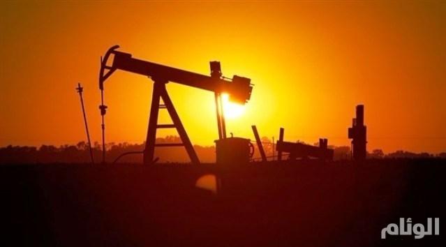 أسعار النفط تتراجع بعد تأثرها بخلاف تجاري