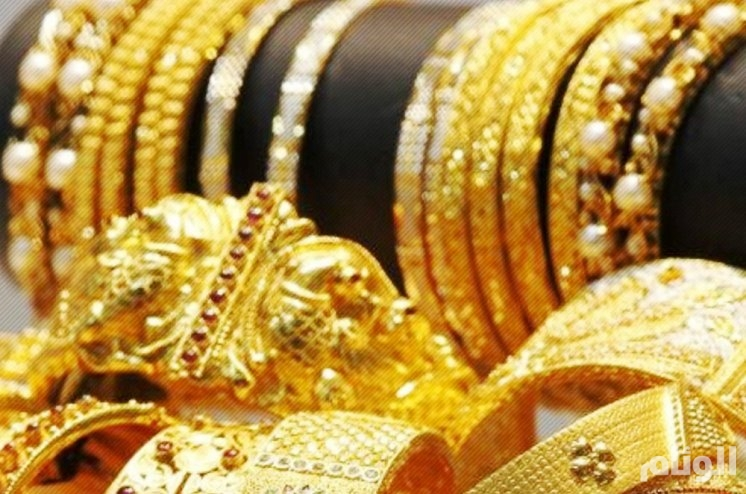 أسعار الذهب ترتفع بفعل هبوط الدولار