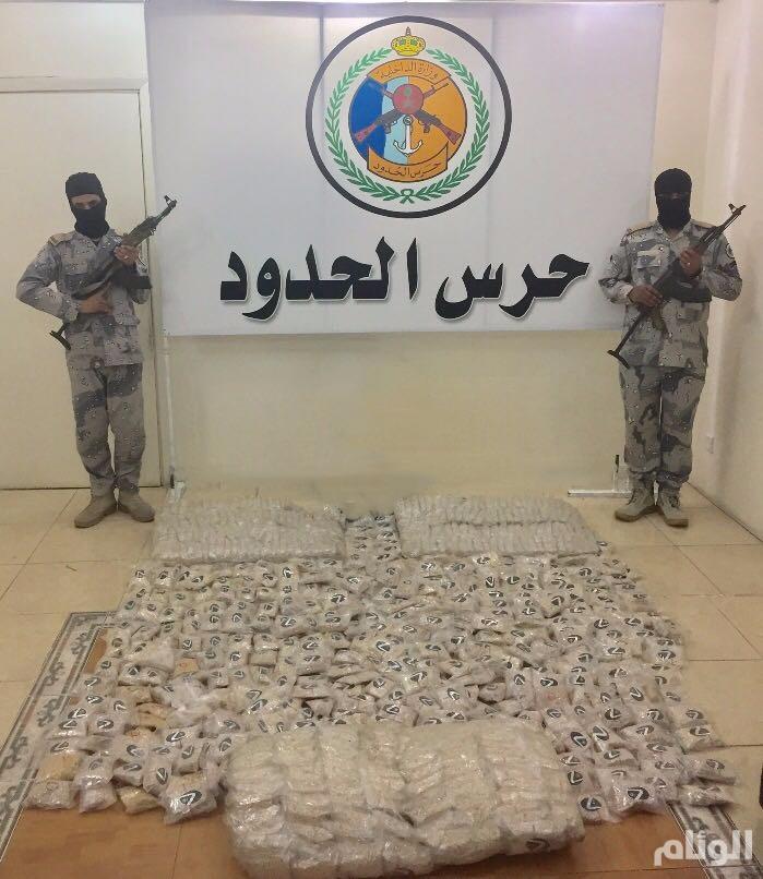 """حرس الحدود بمنطقة تبوك يحبط محاولة لتهريب 745 ألف قرص """"إمفيتامين"""" مخدر"""