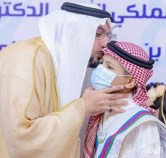 أمير القصيم يشهد إطلاق «فصول الأورام» لتعليم المرضى بالمملكة