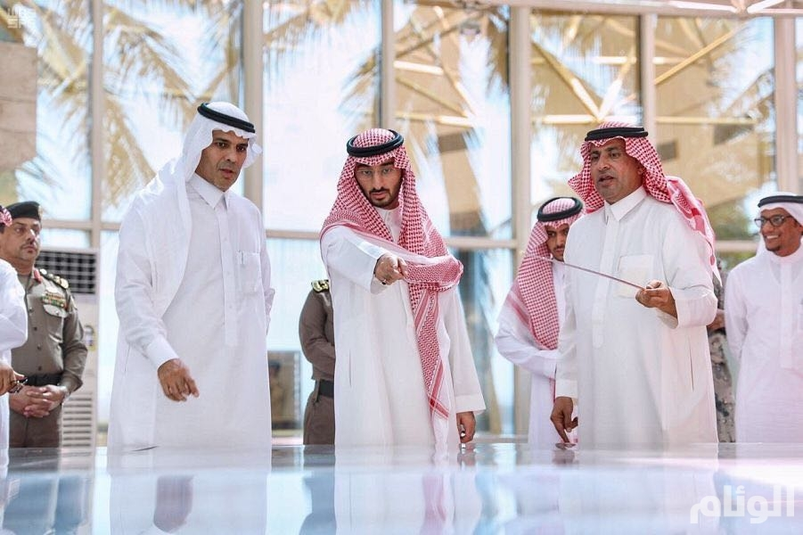 نائب أمير مكة يتفقد سير تنفيذ برنامج «التحول الوطني 2020» بميناء جدة