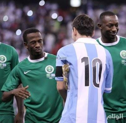 مدرب الأرجنتين يطلب اللعب مع المنتخب السعودي وديا