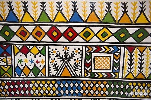 اليونسكو تدرج فن «القط العسيري» السعودي في «قائمة التراث الثقافي غير المادي»