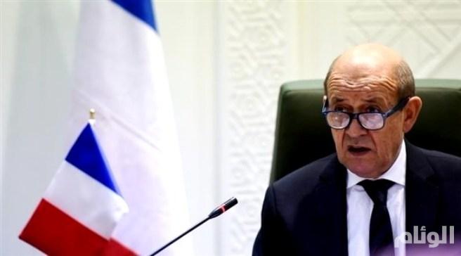 فرنسا: على إيران وقف تهديداتها