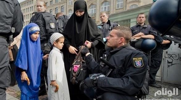ألمانيا: تصنيف عشرات النساء والأطفال كإسلاميين خطيرين أمنياً
