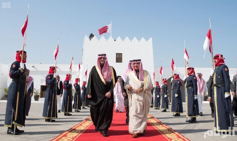 وزير الداخلية يبحث مع نظيره البحريني سبل تعزيز التعاون الأمني بين البلدين