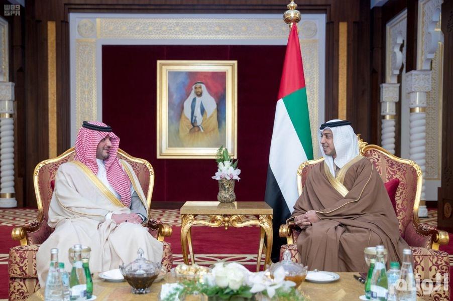 وزير الداخلية يلتقي نائب رئيس مجلس الوزراء وزير شؤون الرئاسة بدولة الإمارات