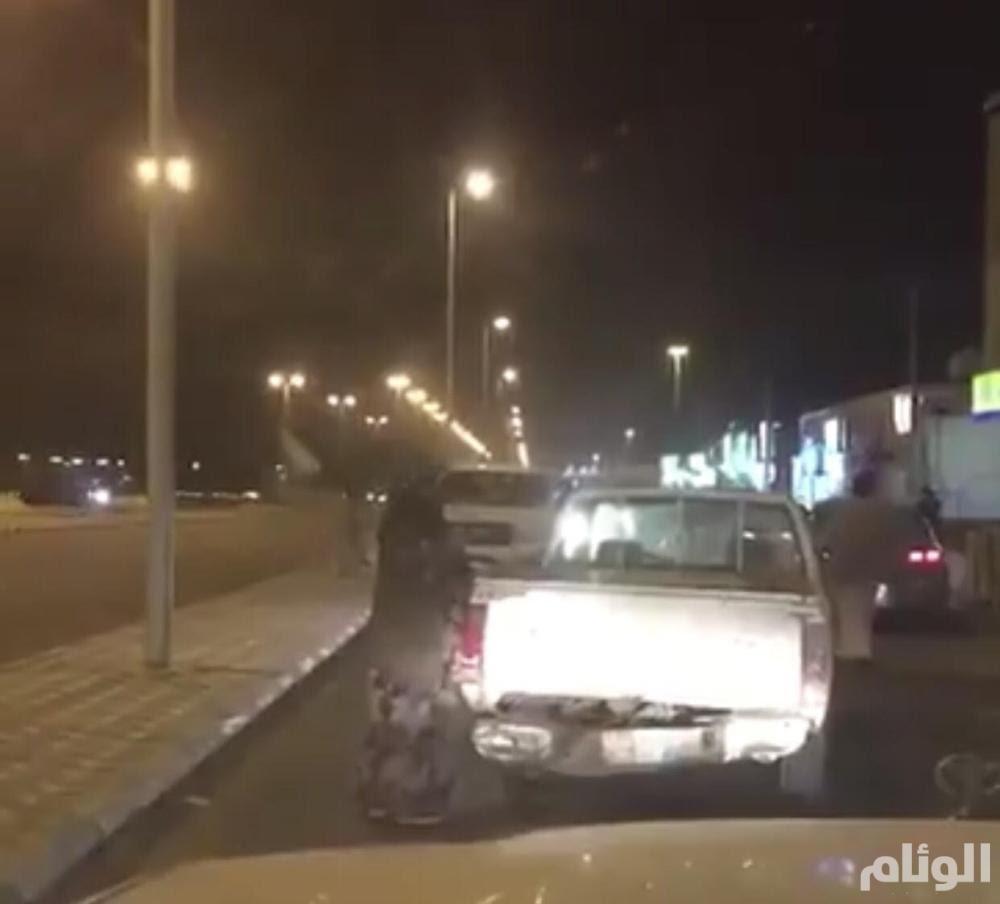 المرور يسجل مخالفة على سيدة بسبب قيادتها للسيارة بدون رخصة