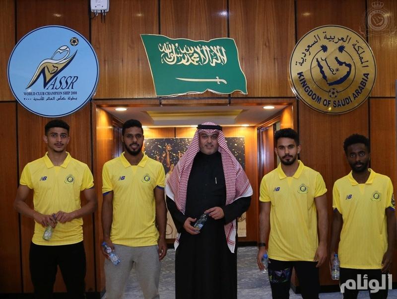 بالصور: إدارة النصر توقع عقود إحترافية مع أربعة من نجوم الأولمبي