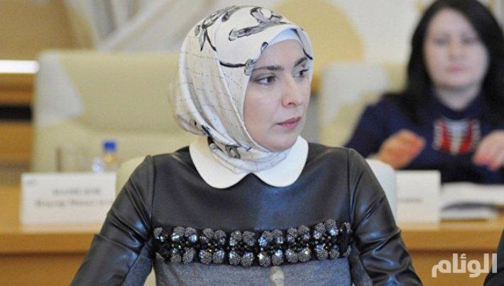 تعرف على أول مسلمة محجبة تنافس بوتين على رئاسة روسيا