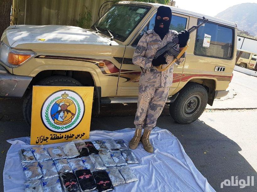 بالصور: القبض على «30» مهرباً للحشيش بينهم سعوديين بجازان ونجران