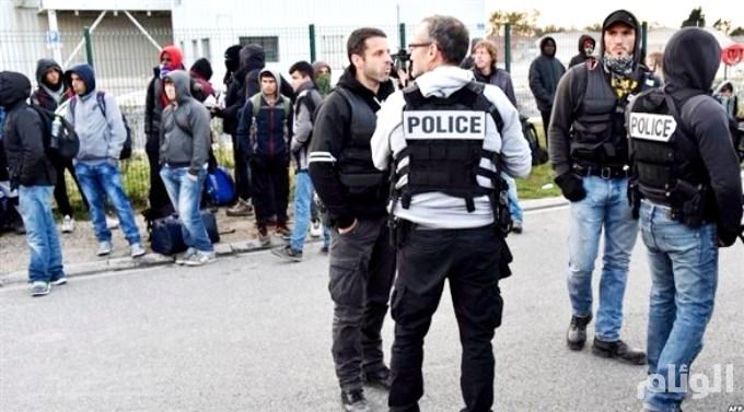 فرنسا: إصابة 17 مهاجراً بينهم 3 يصارعون الموت إثر اشتباكات ببلدة كاليه