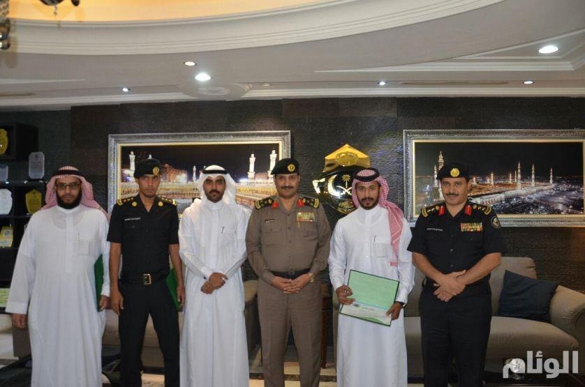 مدير شرطة العاصمة المقدسة يكرم أفراد الدوريات الأمنية على تميزهم في العمل