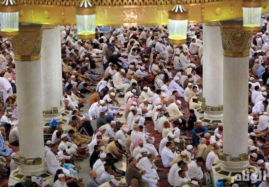 «إمام الحرم» يحذر من الإلحاد وتنازل المسلم عن ثوابته ودينه