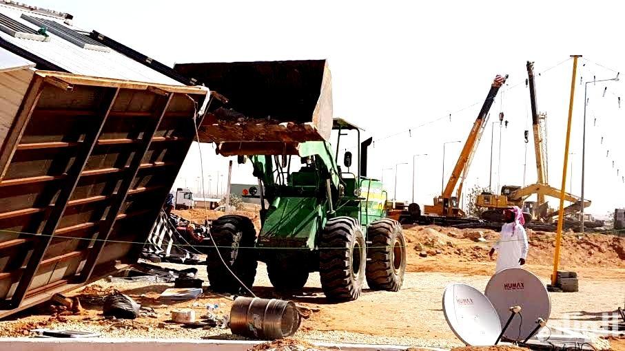 شاهد: إزالة «177» مخيمًا وغرفًا جاهزة في الرياض
