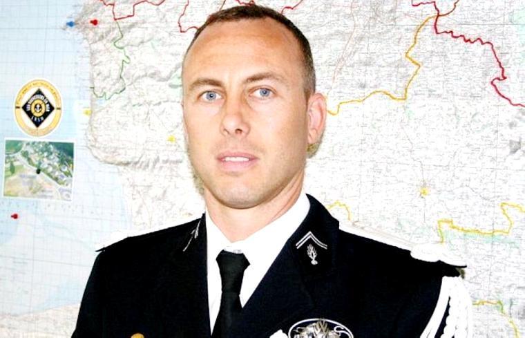 وفاة الشرطي «الفدائي».. بادل نفسه برهينة خلال هجوم فرنسا