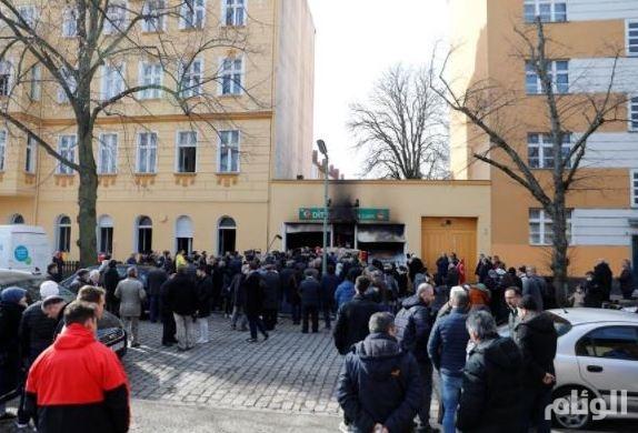 شاهد: هجوم بقنابل يحرق مسجداً ومصاحف في ألمانيا