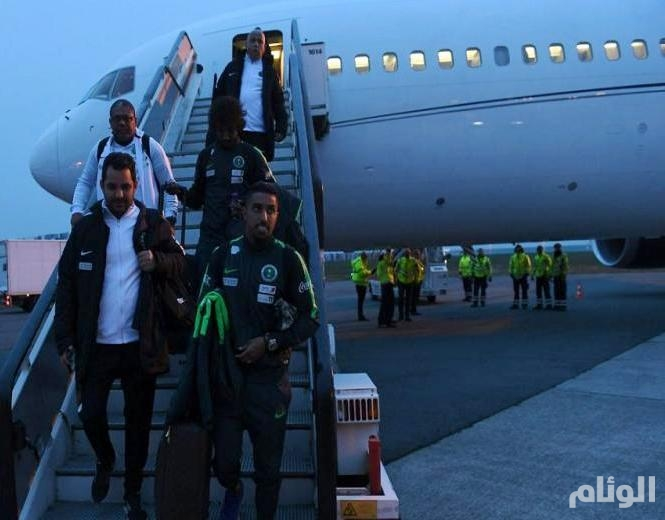 بعثة المنتخب السعودي تصل إلى بروكسل